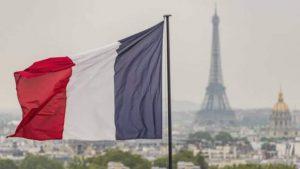 فرنسا تتعهد باستقبال 400 طالب لجوء من اليونان خلال الأشهر القادمة